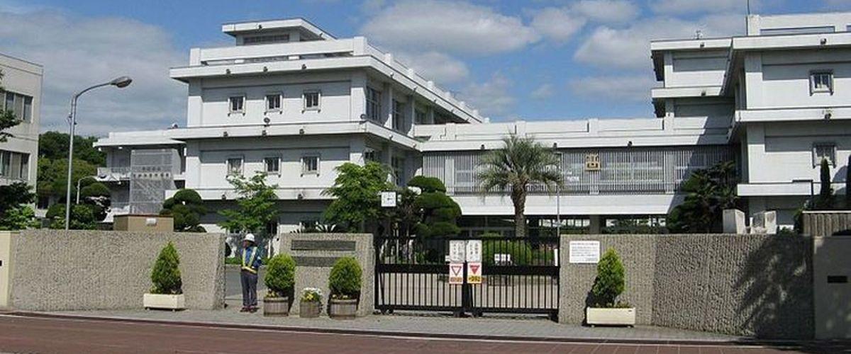 姫路東高等学校 正門