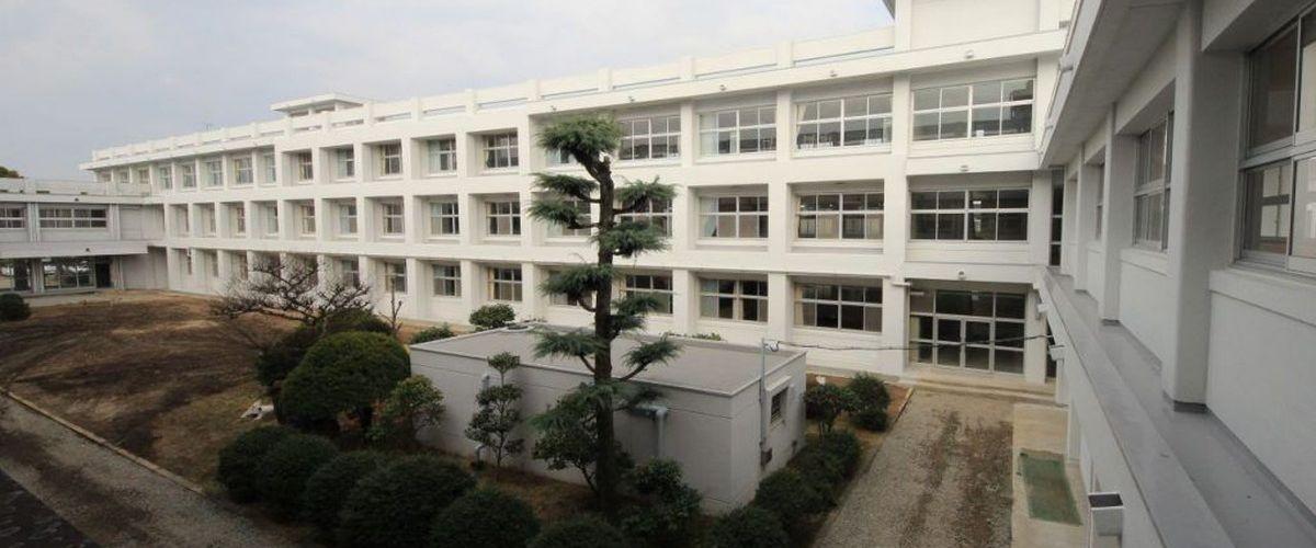 姫路東高等学校 校舎